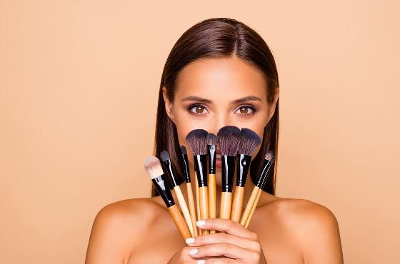 In just a few minutes get a perfect complexion with our make-up tips
