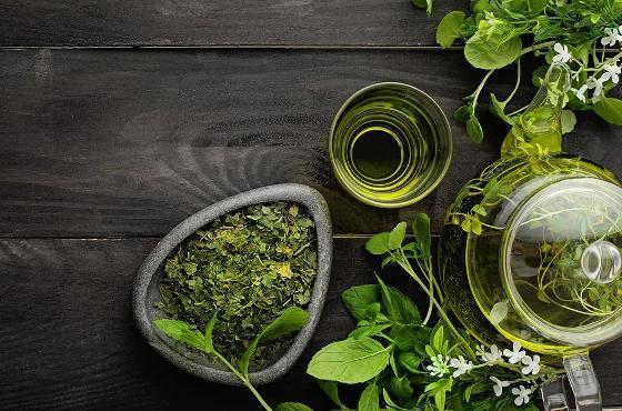 Grüner Tee und Petersilie zum Abnehmen